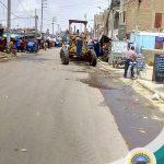 Trabajo de nivelación de la Av. Francisco Vidal (La Parada)